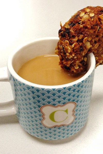 30-Second ANZAC Biscuits & the Story of our Honeybees