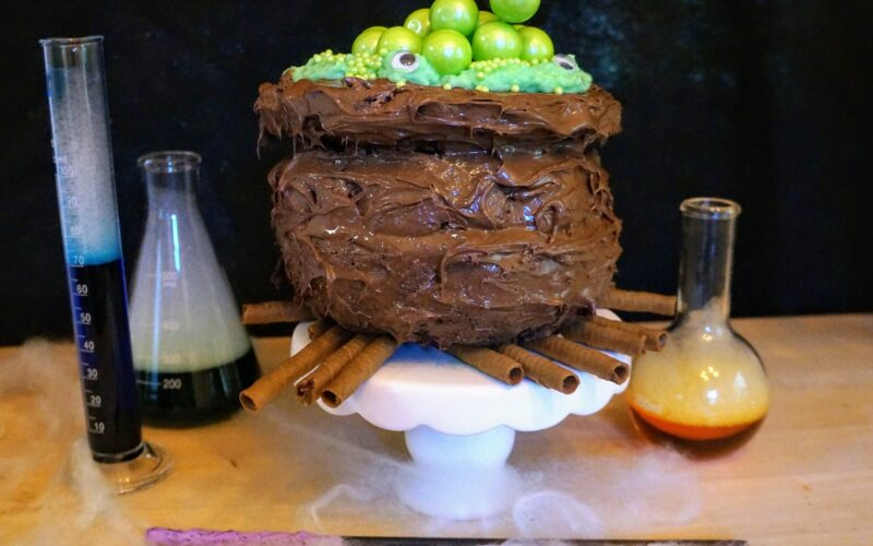 Cauldron Cake, a Chocolate Treat for Halloween